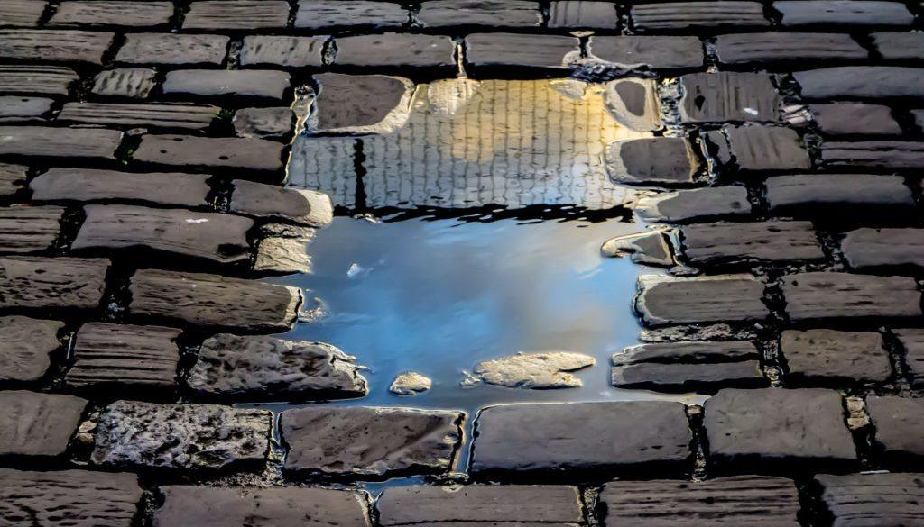 reflection-2922045_1920