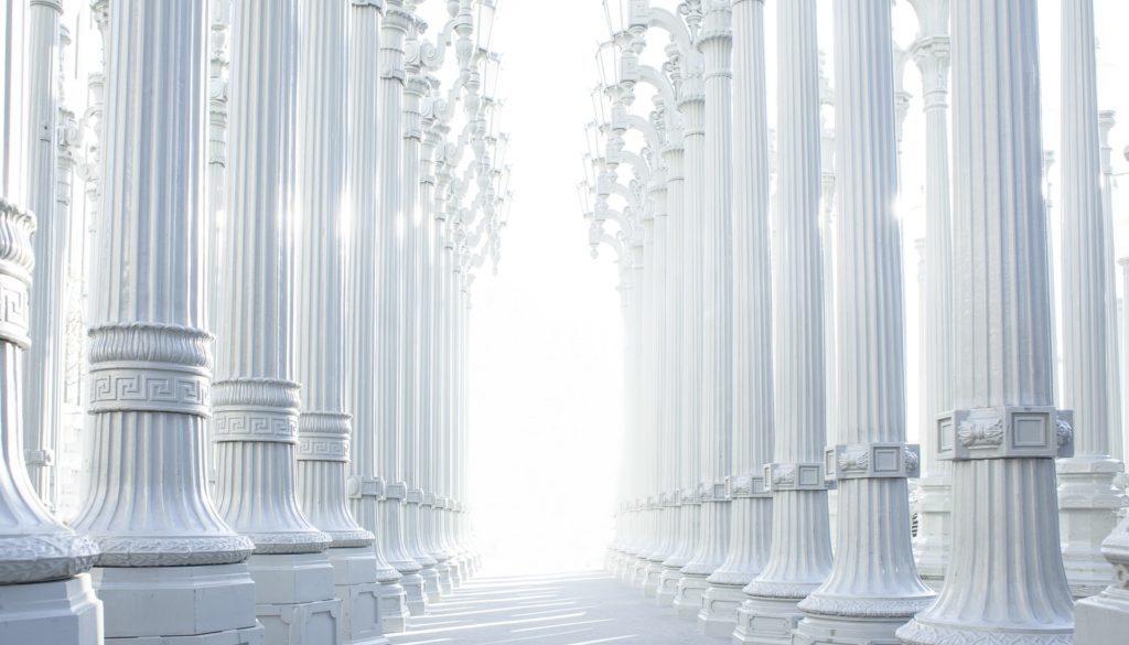 columns-801715_1920